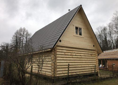 Guļbaļķu dzīvojamā māja